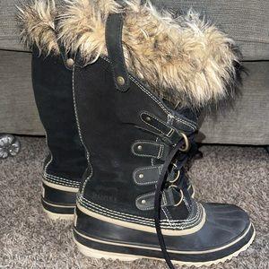 Sorel waterproof Snow Boots! Like new.